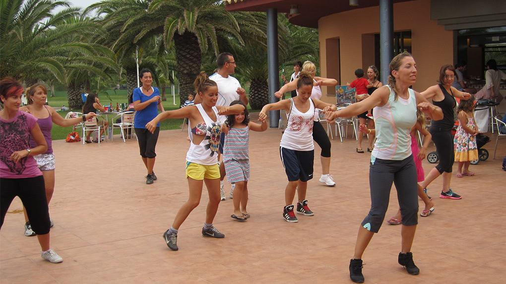 Clase de Baile Fitness en Camping L´Aube