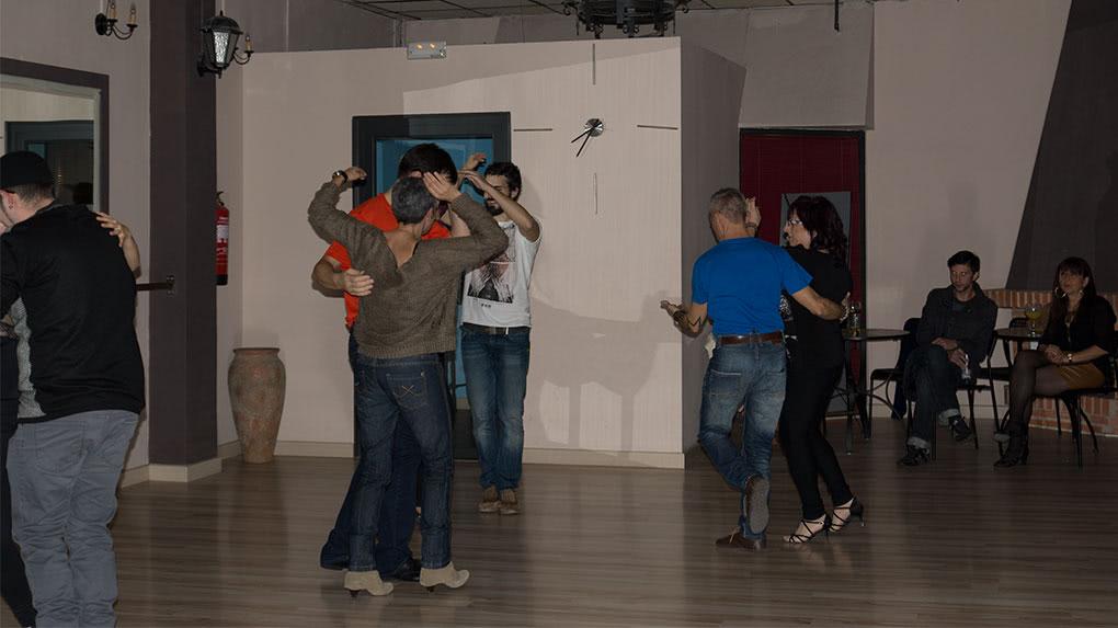 Fiesta de Kizomba en Zaragoza. Escuela de baile el Almacén