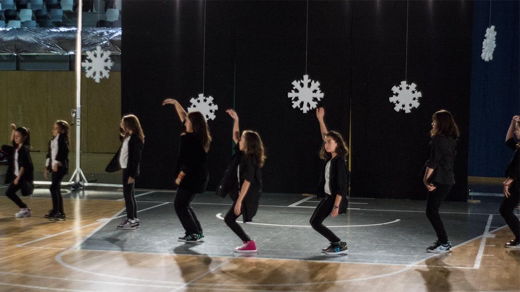 Exhibición de Hip Hop y Funky de la Escuela de Baile el Almacén en Utebo