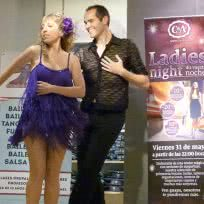 Exhibición de Baile en Ladies´night en C&A