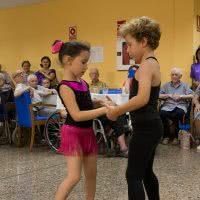 Exhibición de bachata, de los más pequeños de la Escuela de Baile el Almacén, en Zaragoza
