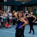 Exhibición de Baile Fitness en Puerto Venecia Baila, por Escuela de Baile el Almacén.